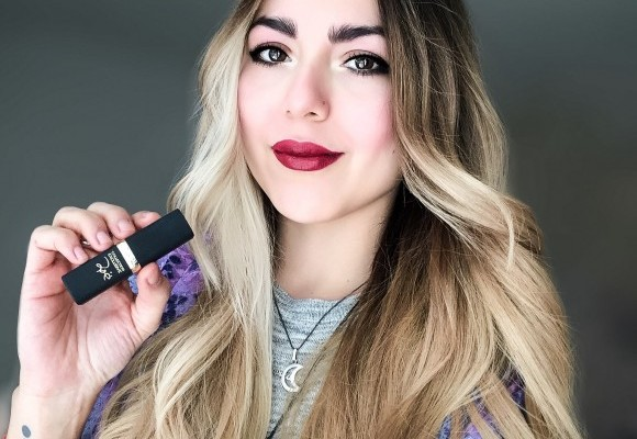 Anette Morgan Makeup Loreal Lipstick