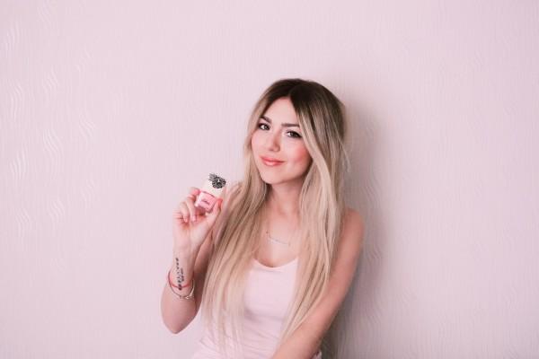 Anette Morgan Vegan Mexican Blogger PITAHIA nails summer