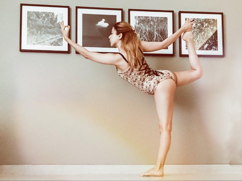 Anette Morgan Vegan Mexican Blogger Yoga Valeria Anastasia Swimwear 5