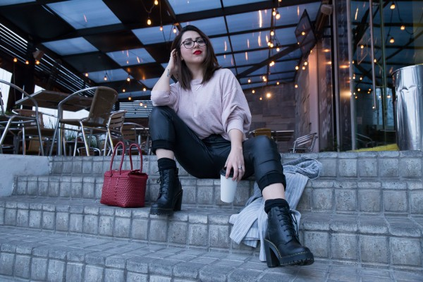 ANETTE MORGAN HEALTH WELLNESS LIFESTYLE BLOG DR MARTENS BOOTS 12