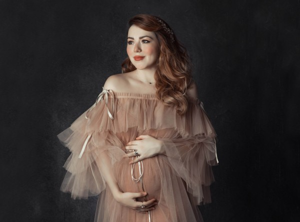 Anette Morgan Pregnancy Maternity Ander Sebastian Portrait COVER